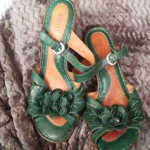 Born leather sandals sz 10